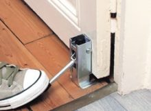 Le problème de porte qui grince est une urgence serrurerie qu'un artisan dépanne en moins de temps